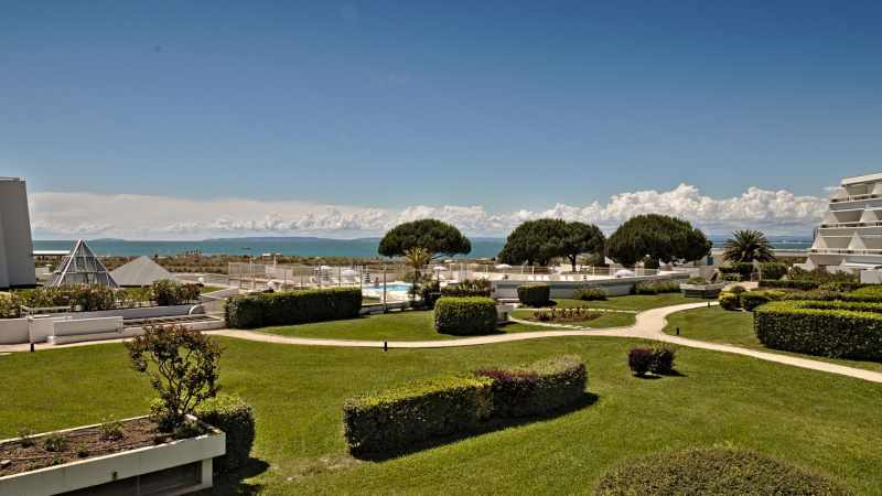 Jardins et piscine Résidence Ulysse